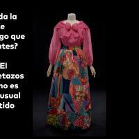 ¿Les recuerda la falda de este vestido a algo que han visto antes? ¿Acaso un acolchado? El Patrón de retazo hecho a mano es un diseño inusual para un vestido de noche.
